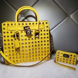 Michael Kors Pyramid Studded Hamilton With Wallet